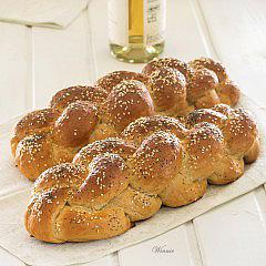 No-egg Challahs (Jewish bread)